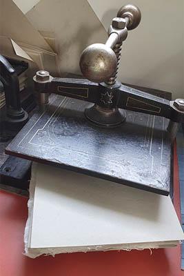stages-fabrication - presse à papier